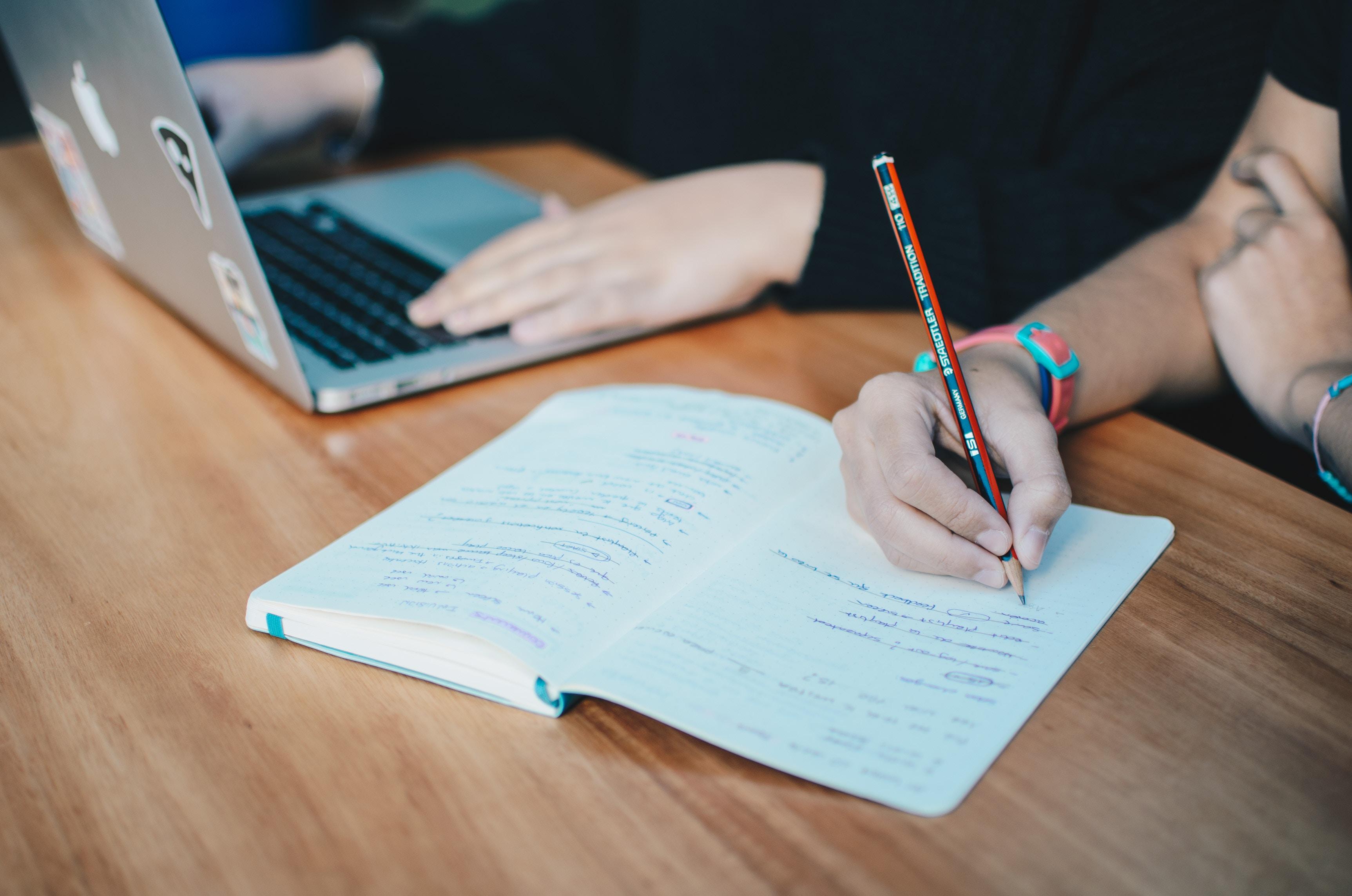 仕事をしながら独学で福祉住環境コーディネーター2級を一発合格する方法